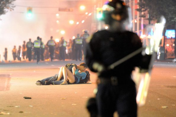vancouver-riot-kiss-coupl-001-photograph-rich-lamgetty-images.jpg