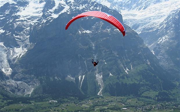 paragliding_1764858b.jpg